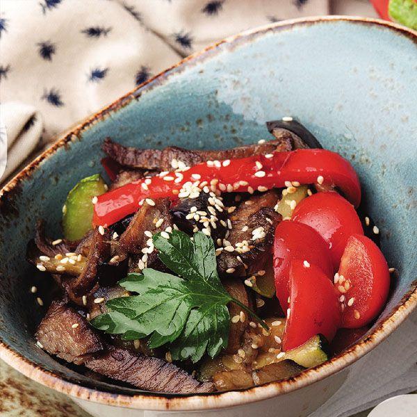 Салат из овощей на гриле с р...