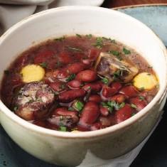 Суп фасолевый с сушеным мясом